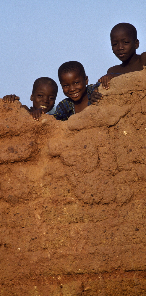 MALI Bamako: Children playing on a wall. Pascal Deloche/Godong / Panos