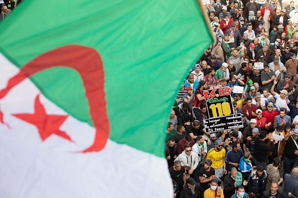 Algerian anti-government protesters on the streets of Algiers, 26 March 2021. Pic by Louiza Ammi / Abaca Press / Alamy