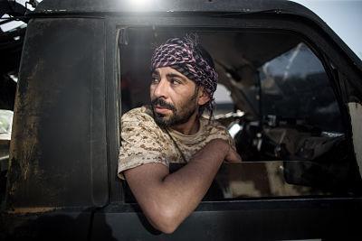 A GNA fighter at Salah Al-Din front line on 22 May 2019. Pic: Xinhua/Amru Salahuddien
