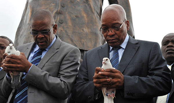 Ace Magashule and Jacob Zuma. Pic: GovernmentZA (CC BY-ND 2.0)