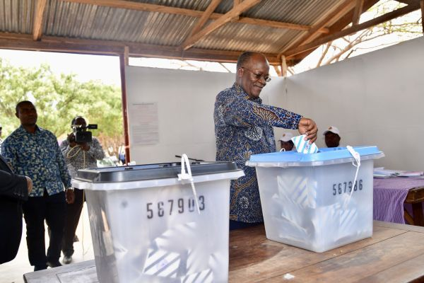 John Magufuli casts his ballot. Pic: Tanzanian State House/Xinhua News Agency/PA Images