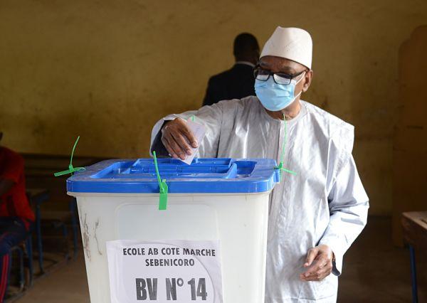 Bamako, 19 April 2020, Ibrahim Boubacar Keïta casts his ballot. Pic: Habib Kouyate/Xinhua News Agency/PA Images