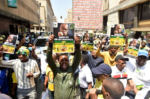 Magashule supporters outside Luthuli House, October 2020. Pic: RealTime Images/ABACA/ABACA/PA Images