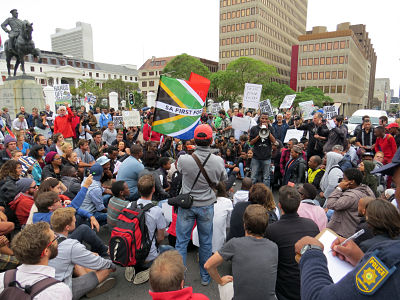 Hundreds of South Africans protest against the the dismissal of Pravin Gordhan. Photo: Janine Stephen/dpa